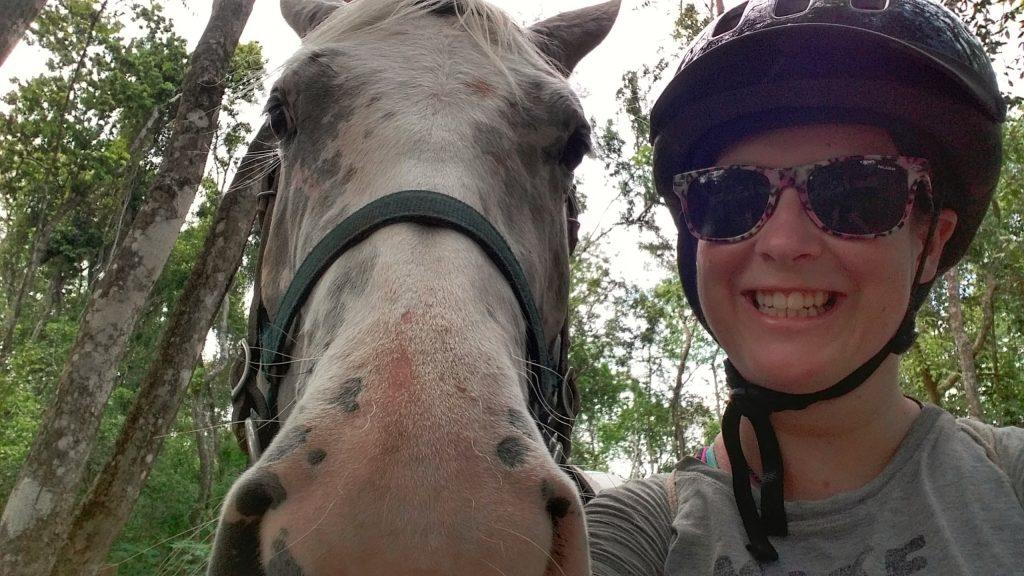 My & my faithful horse Hannah, on my horseback riding tour to Xunantunich