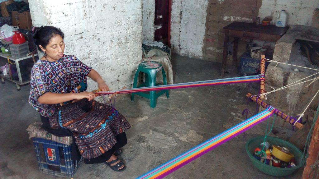 Backstrap Weaving class in Santa Cruz Lake Atitlan Guatemala - Backpacking Guatemala guide