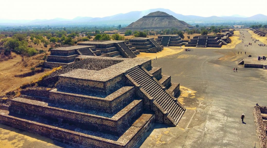 Teotihuacan Pyramids - Backpacking Mexico Backpackers Guide to Mexico on a Budget