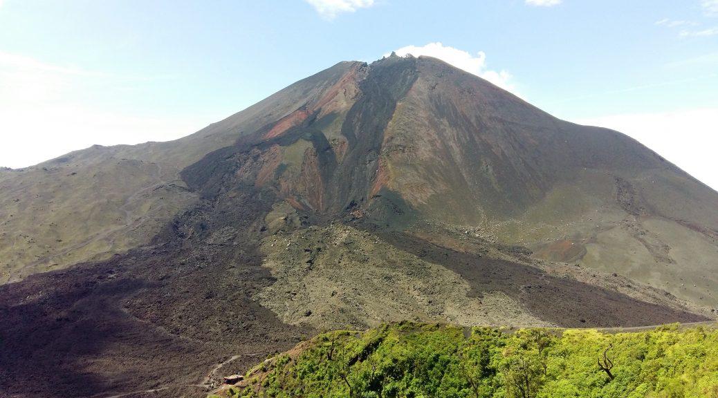 Smoking Live Pacaya Volcano near Antigua Guatemala