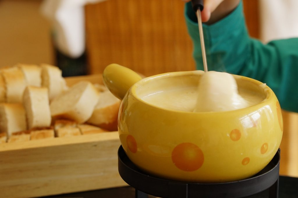 Cheesey Swiss Fondue - Eating in Switzerland on a Budget