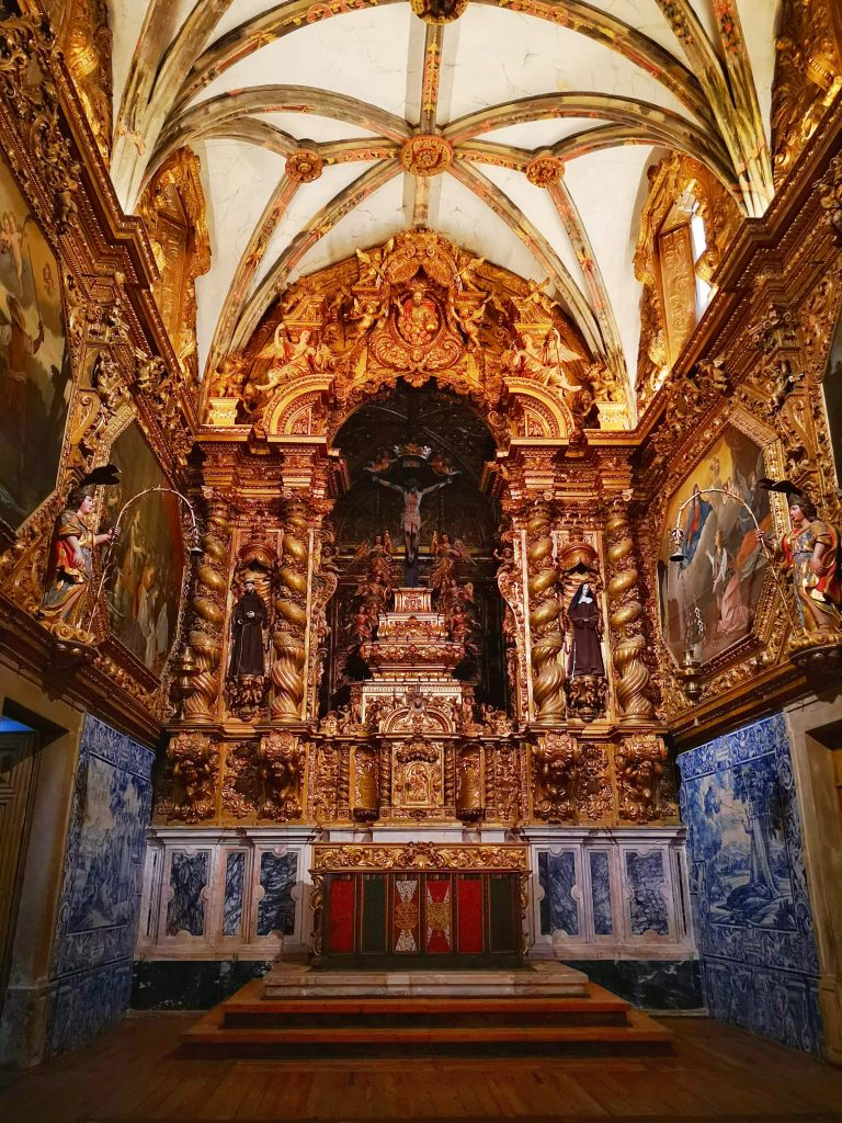 Inside San Francisco Church in Evora - a Igreja de Sao Francisco