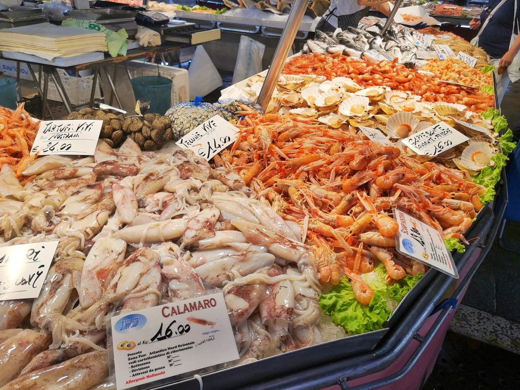 Rialto Market Fish Stall - Free Things to do in Venice