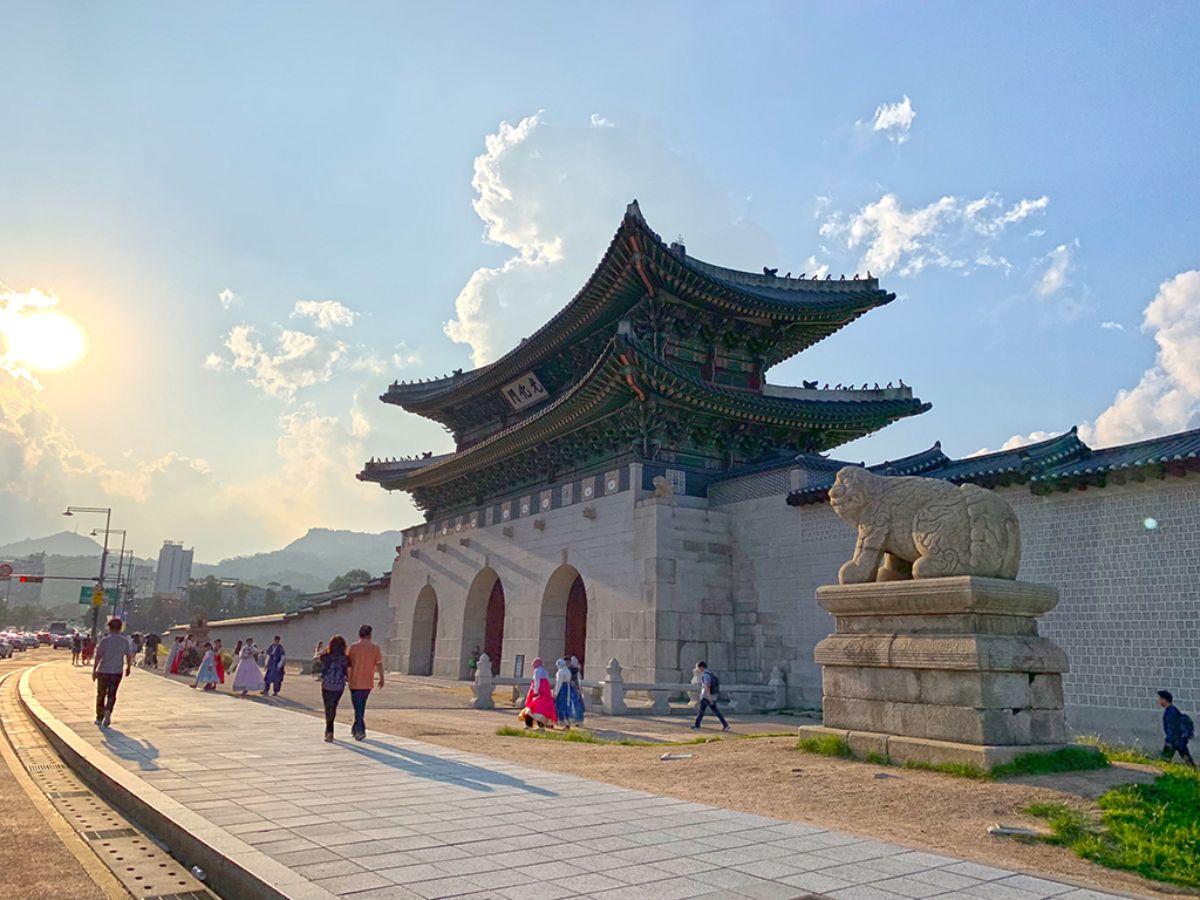 Gorgeous Fairytale Castles Around The World