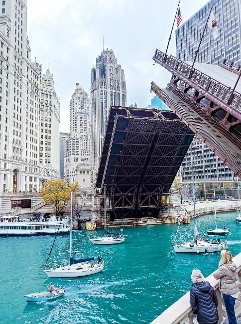 Chicago Riverwalk & Bridge - Free Things to do in Chicago